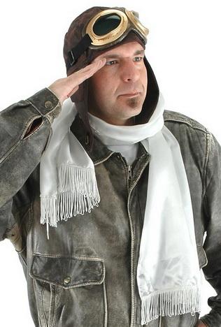 Летчик с белым шарфом