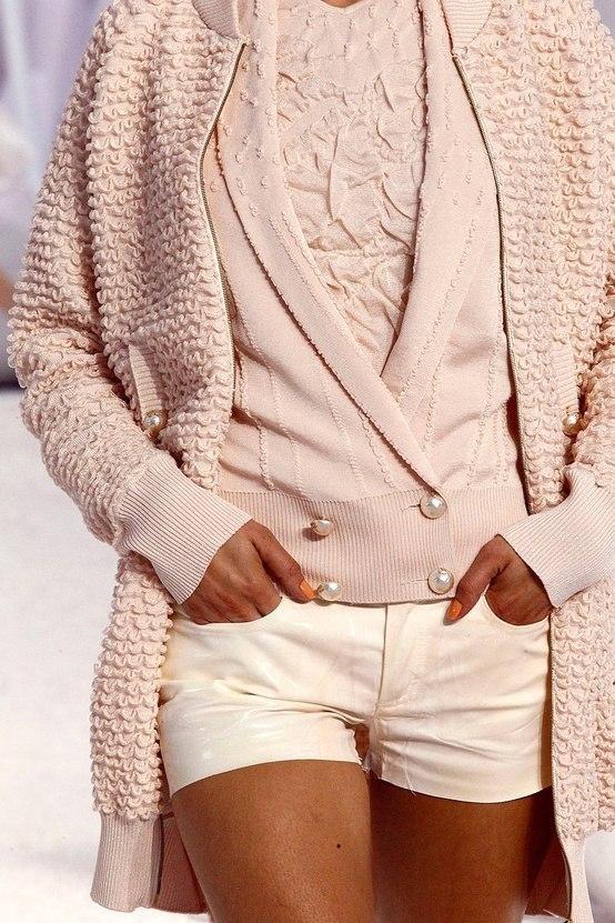 Психология розового цвета в одежде